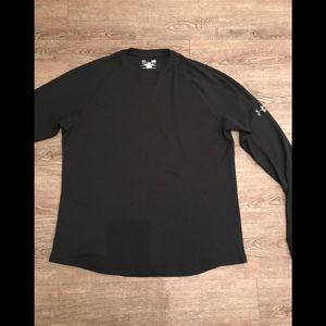 Men's Under Armour black waffle T-shirt